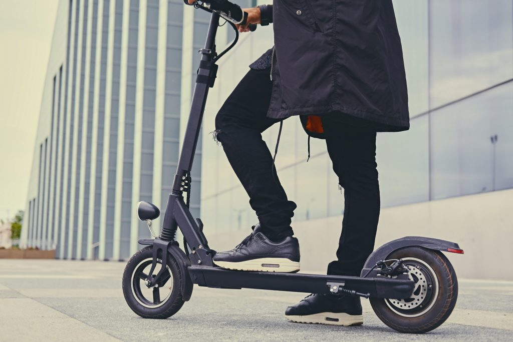 How fast and how far do electric scooters go? – How to plan smart trips